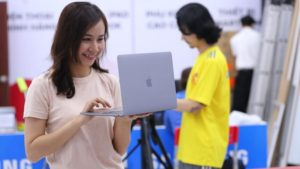 13-дюймовый MacBook Pro от Apple | Esmynews